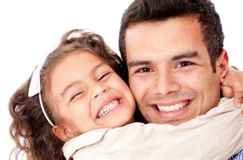 hija calentando a su padre regalos para el d 237 a del padre bekia padres