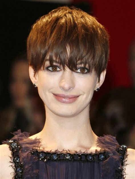 Shaggy Hair Styles With Bangs With Medium Hair Over 40 | anne hathaway short hairstyle with shaggy bangs styles
