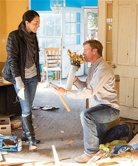 where does chip and joanna gaines live hgtv s quot fixer quot with chip and joanna gaines