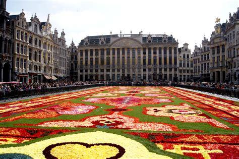 bruxelles turisti per caso tapis de fleurs bruxelles viaggi vacanze e turismo