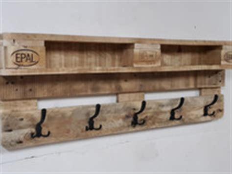 bücherregal aus paletten 1801 paletten 1801 individuelle produkte aus der kategorie