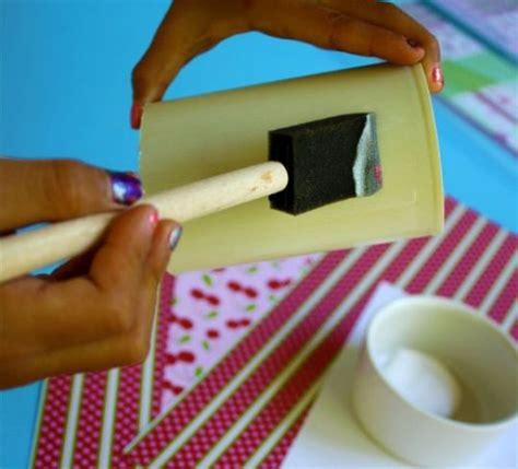 tutorial merajut tempat pensil tempat pensil yang bisa menempel di permukaan logam