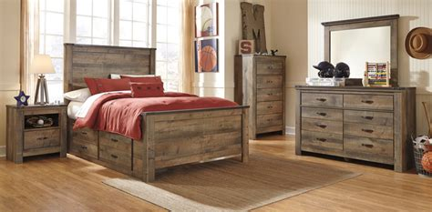 Trinell Bedroom Set by Furniture Trinell Bedroom Collection