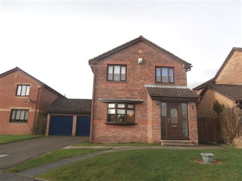 4 bedroom houses for sale in cumbernauld 4 bedroom detached house for sale in binniehill road