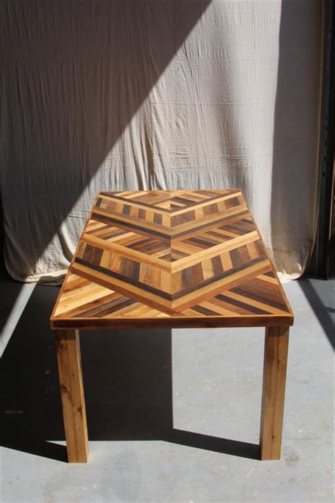 Pallet Dining Table Diy Diy Pallet Chevron Dining Table 101 Pallets