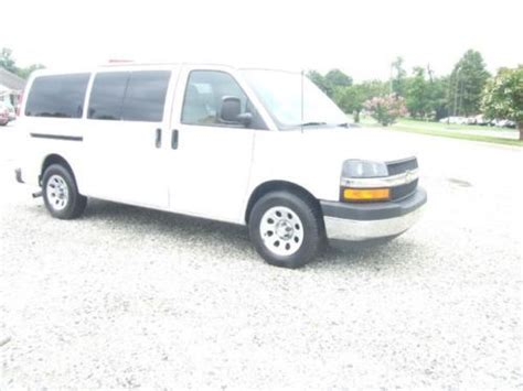 automobile air conditioning service 2011 chevrolet express free book repair manuals purchase used 2009 chevy express passenger van all wheel drive rear air conditioning rare in