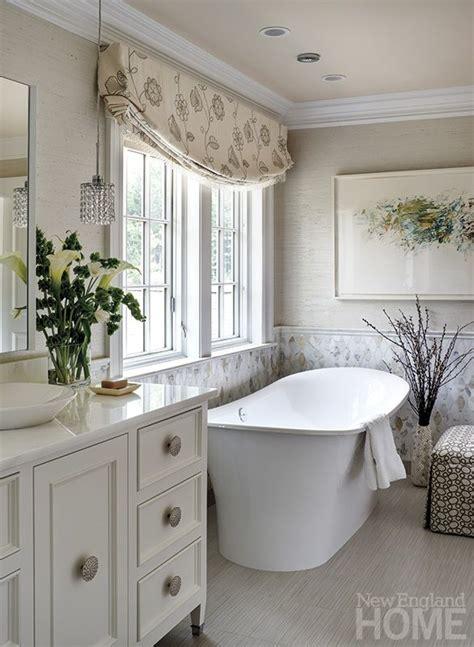 beautiful white bathrooms best 25 roman baths in bath ideas on pinterest roman