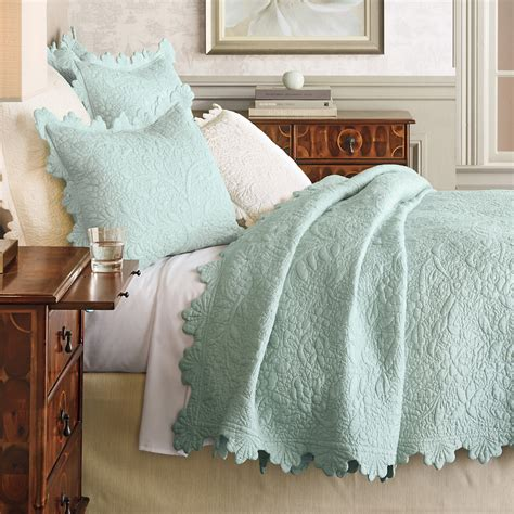 scalloped bedding scallop bedding gump s