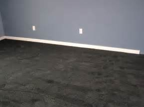 what color rug goes with a grey carpet gray wall paint colors