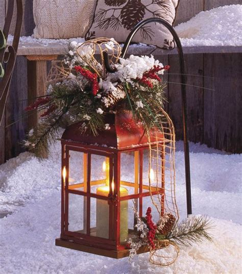 35 cool christmas lanterns decor ideas for outdoors