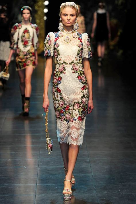 Catwalk To Carpet Alba In Dolce Gabbana by Dolce Gabbana F W 2012 Fashions Honor Floral Needlepoint