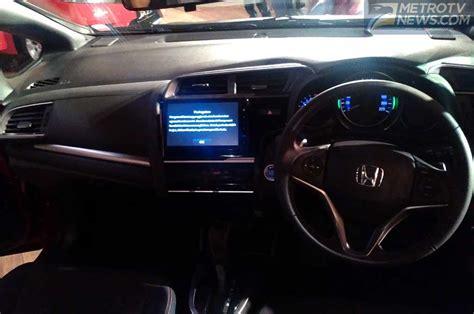 Tv Mobil Jazz mobil new honda jazz mengaspal harga rp230 jutaan