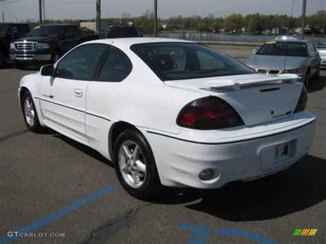 pontiac white 2002 arctic white pontiac grand am gt coupe 29266435