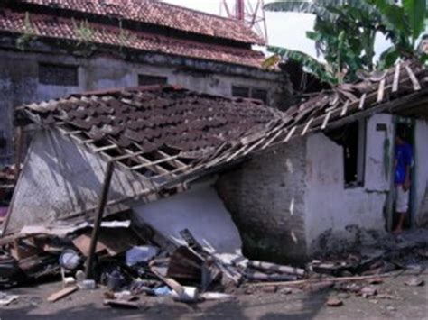 film dokumenter gempa yogya mengenang gempa tektonik 2006 di yogyakarta dan sekitarnya