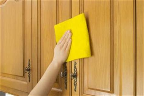 cleaning kitchen cabinets murphy s oil soap how to clean kitchen cabinets using murphy soap home