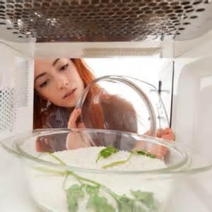 Wasser In Der Mikrowelle Kochen by Reis In Der Mikrowelle Zubereiten So Gelingt S