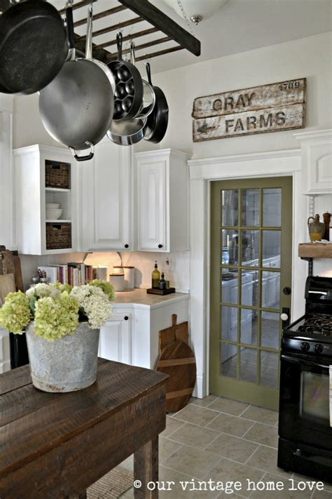 olive green home decor 17 chic ways to add olive green into your decor scheme