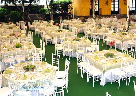 Impressionnant Salon De Jardin Lounge #5: mont_blanc_banquetes_XV_jardin_2_900x636.jpg