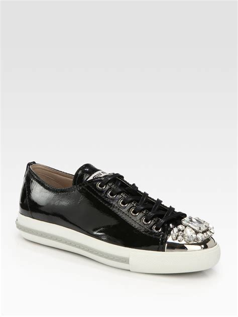 Miu Sneker Swaroksy miu miu patent leather jeweled laceup sneakers in black lyst