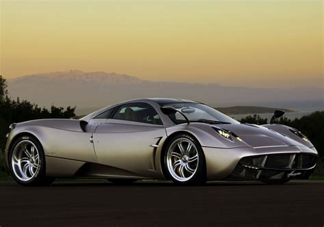Road Star Car Pagani Huayra 2012