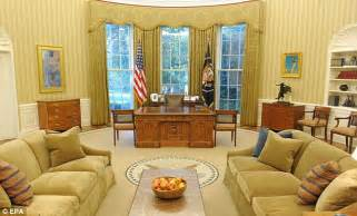 obama oval office curtains you too can sleep in the lincoln bedroom and live in your