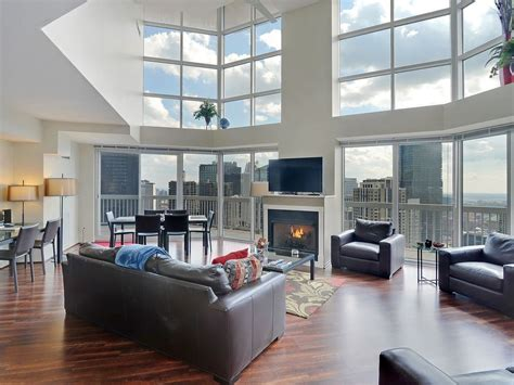 chicago two bedroom condos comparing five new penthouse duplex 8 wow this place homeaway near north