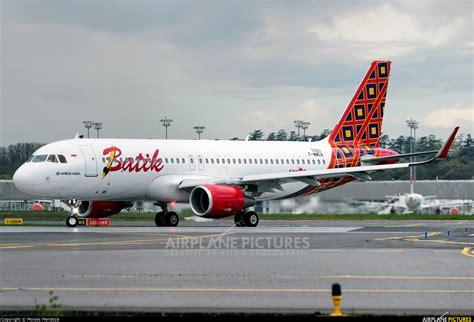 batik air id 6887 f wwda batik air airbus a320 at toulouse blagnac