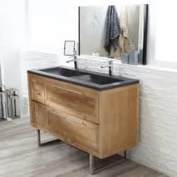 meuble en teck et vasque en terrazzo chez tikamoon