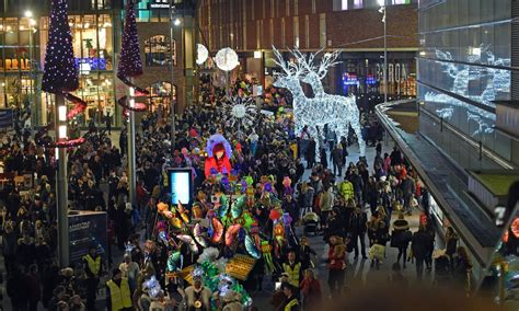 thousands turn out for spectacular lantern parade through