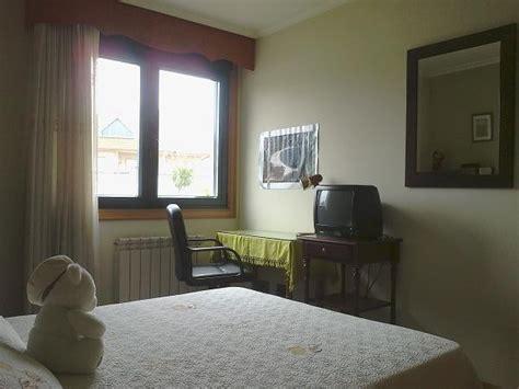 pisos compartidos vigo lia habitaci 243 n en casa con jard 237 n cerca de la