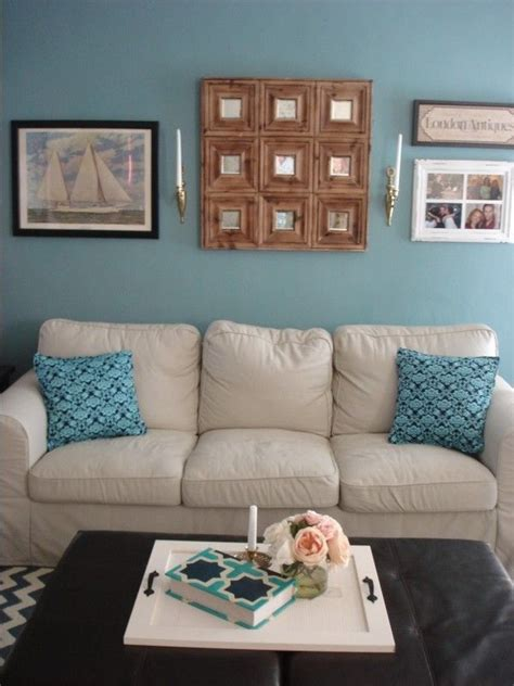benjamin moore williamsburg wythe blue accent wall blue