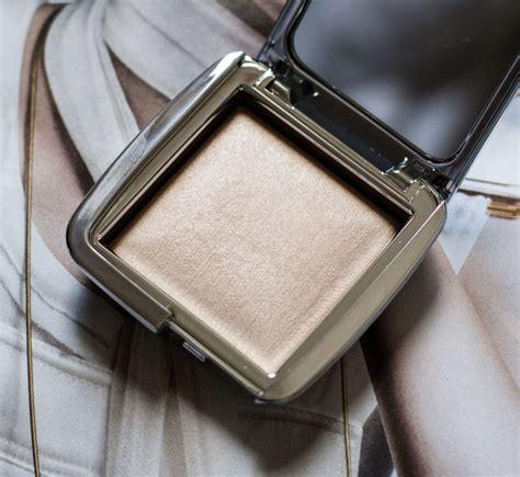 hourglass strobe lighting powder hourglass ambient strobe lighting powder review swatches
