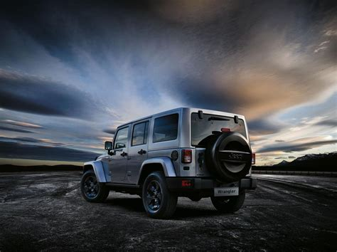 jeep black 2015 2015 jeep wrangler black edition ii to bow in geneva