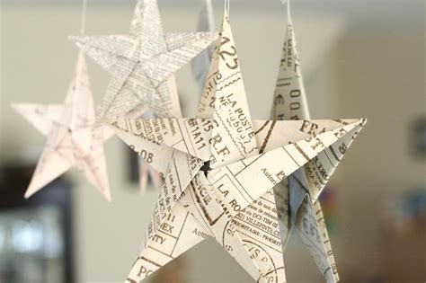 Hanging Origami Decorations - folding 5 pointed origami ornaments