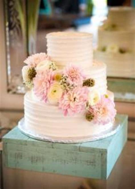 shabby chic wedding cake stand wedding ideas stand weddbook
