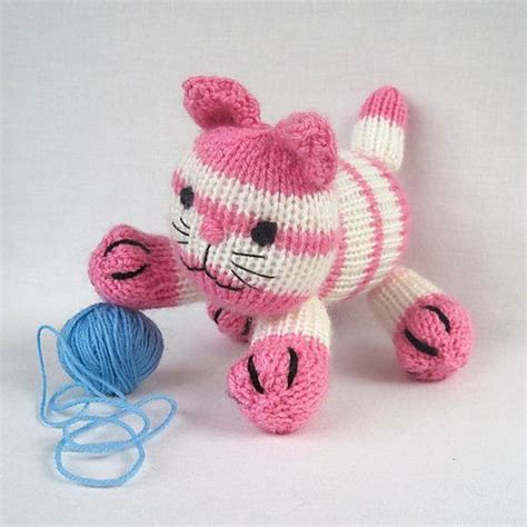 ravelry knitted toys cupcake the kitten pattern by elizabeth phillips guys