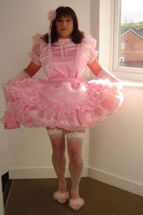 sissy boys that wear dresses sissy hypnosis a beautiful sissy maid hypnotized into