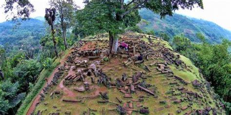 Situs Gunung Padang Misteri Dan Arkeologi riset gunung padang sebaiknya dihentikan sementara kompas