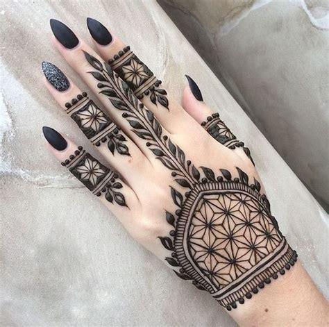 henna tattoo schwarz henna selber machen tribal schwarz extravagant