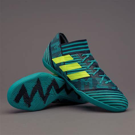 Sepatu Bola Adidas Nemeziz sepatu futsal adidas nemeziz 17 3 in legend ink solar yellow energy blue