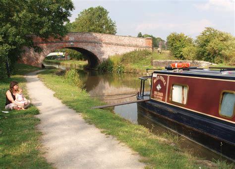 boating holidays cambridge drifters uk canal boat and boating holidays in england and