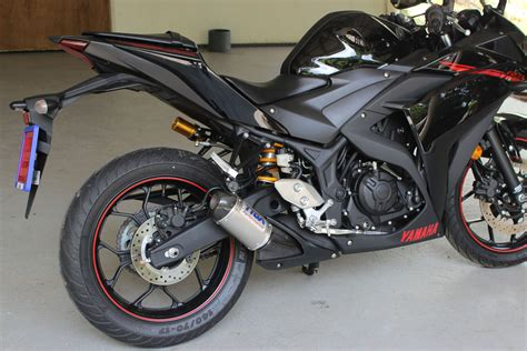 Akrapovic Slip On Yamaha R25 set pipe slip on stainless oval carbon end cap four stroke systems