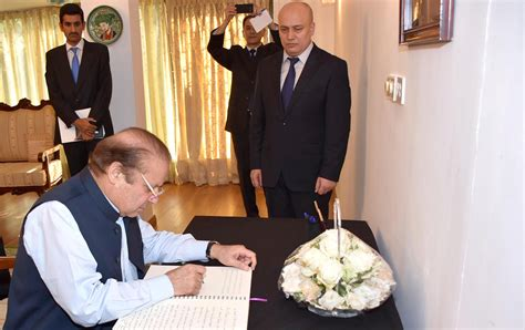 nawaz sharif 2016 pm signs condolence book on demise of president islam