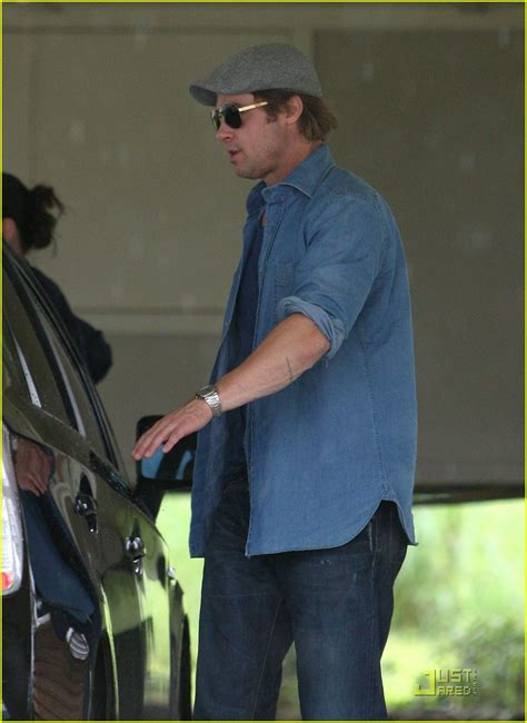 Background Check New Orleans Sized Photo Of Brad Pitt Checks Up New Orleans 10 Photo 2475880 Just Jared