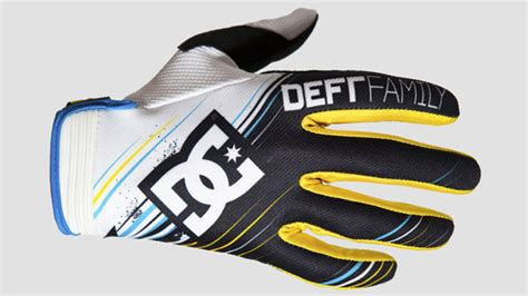 Sepatu Dc Deft Family deft family and dc shoes collaborate on new catalyst 2 glove