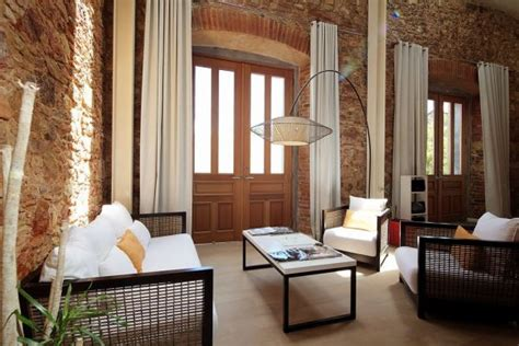 home interiors design plaza panama stone walls and elegant features in a duplex from a
