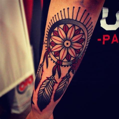 tattoo dreamcatcher old school 166 dreamcatcher tattoos for a good night sleep