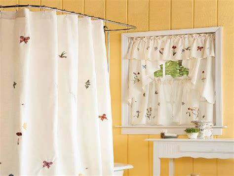 Matching Bathroom Shower And Window Curtains by Interesting Bathroom Design With Shower Curtain With