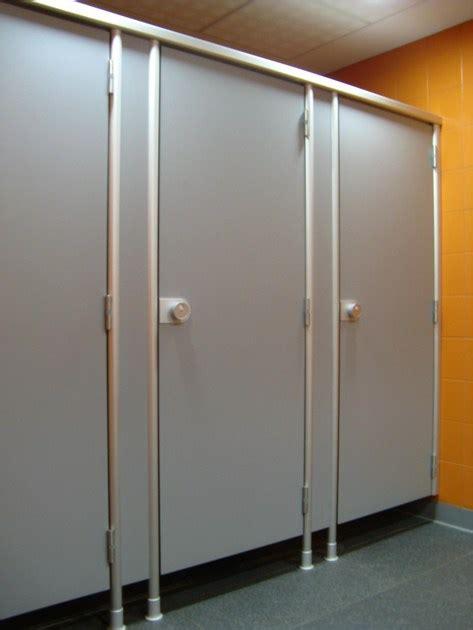 pareti divisorie per bagni parete divisoria per bagni in hpl vk13 by erwil