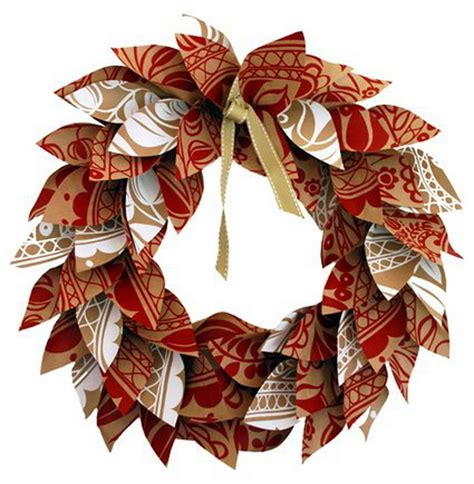 How To Make A Paper Wreath - 5 different ways to use wrapping paper